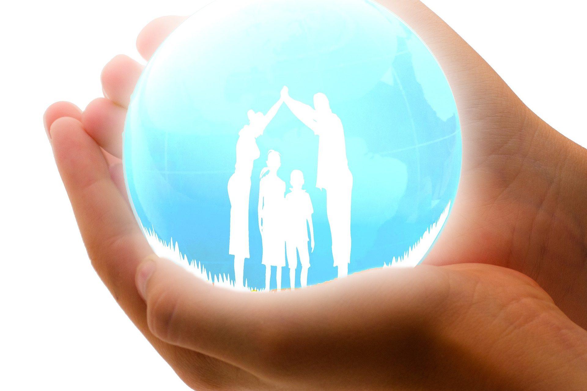 family-insurance-1316543_1920
